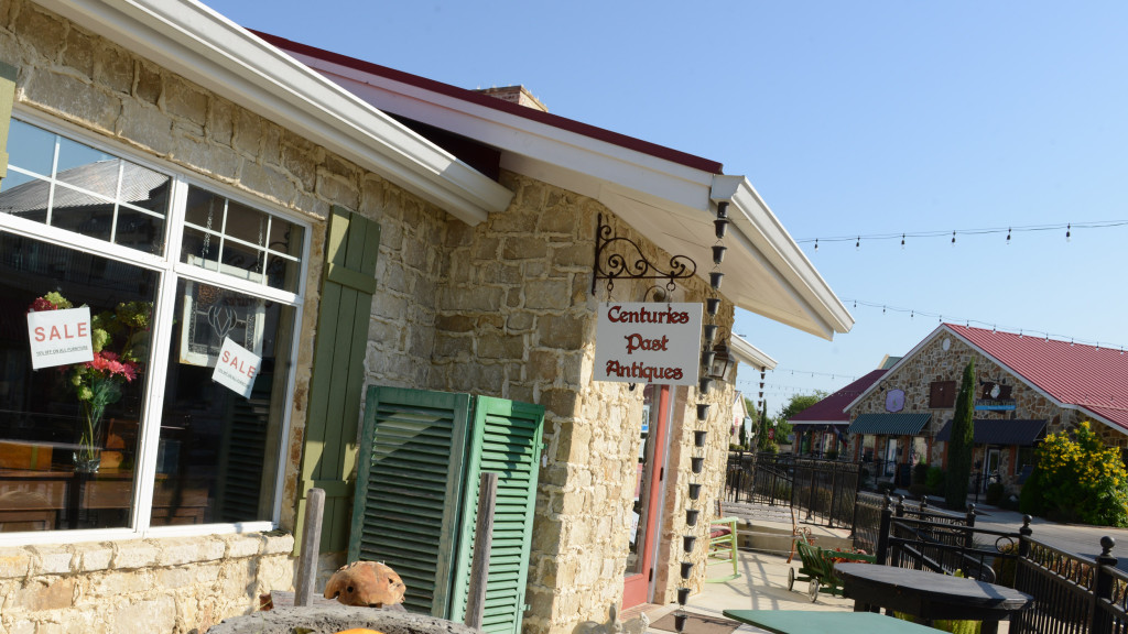Outside shot of Centuries Past Antiques & Gifts in Gruene, Texas